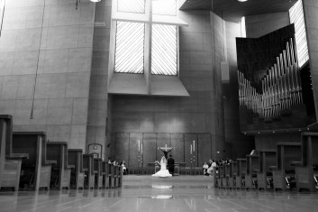 Los-Angeles-wedding-Cathedral-of-our-lady-of-the-angels