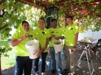 2016-10-11-yakima-missionaries-serve-43