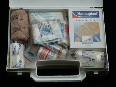 first-aid-kit-62643_1280
