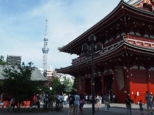 浅草寺の初詣に行くなら参拝時間に気を付けて下さい。とても混雑しますから。