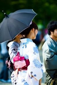 https---www.pakutaso.com-assets_c-2011-06-PP_yukatasugatanojyosei500-thumb-autox1000-307