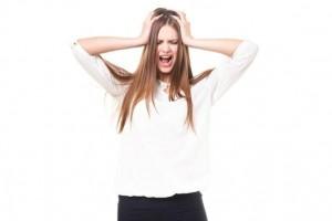 顔のテカリの原因。防止と対策法とは?