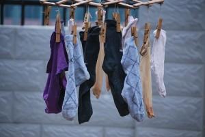 足の臭いを消す方法とクサい原因。重層や酢でにおい対策
