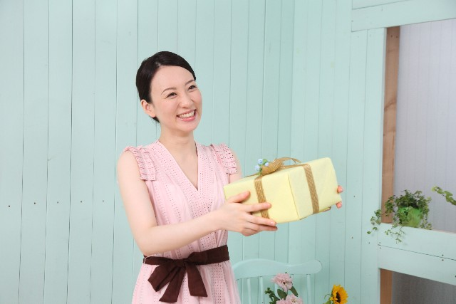 彼氏の誕生日プレゼントは財布!と考えている人へのアドバイス