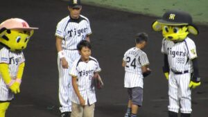 24-221x300 桧山進次郎の息子はイケメン!サッカー始めた理由~セレッソ大阪情報まで