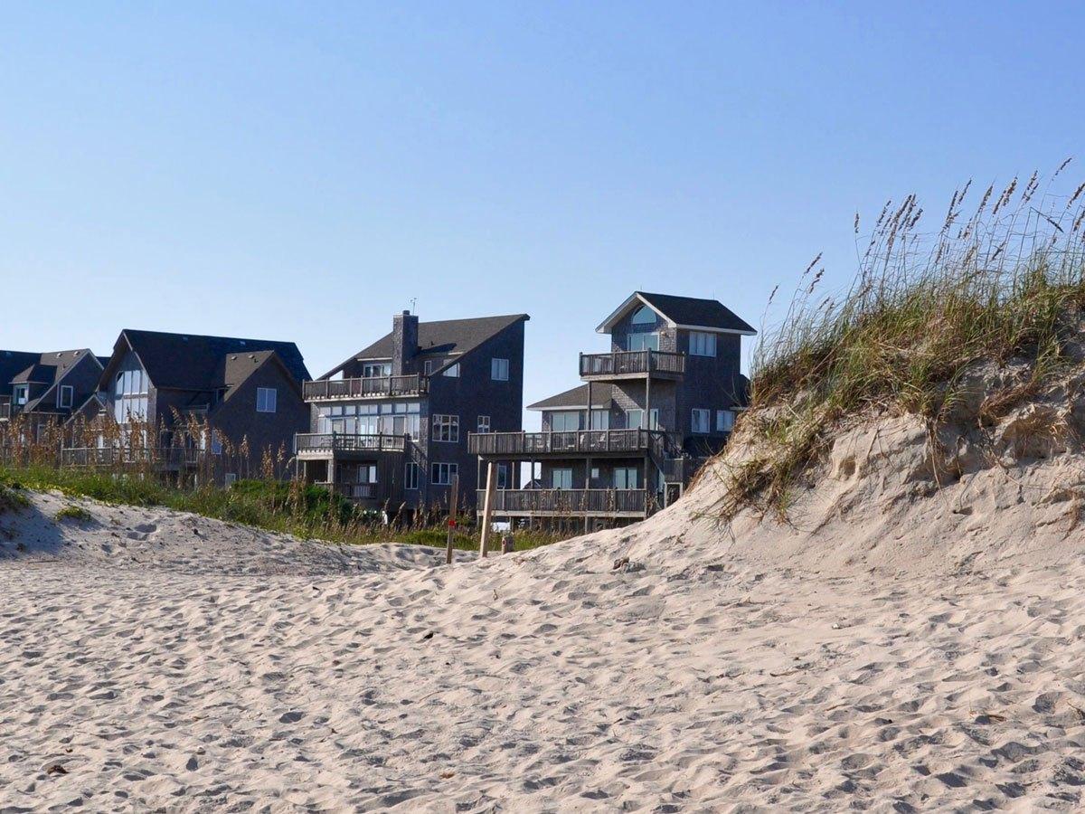 Shoreline homes