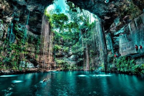 cenote-ik-kil-yucatan-mexico