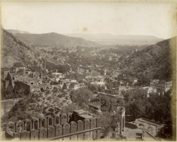 Bird's eye view - Photos from Jaipur, 1880-1920 (Image Source: Columbia University)