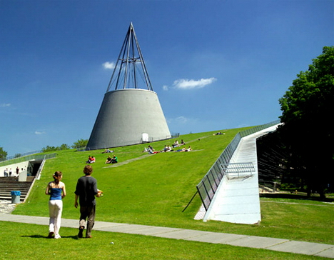 Delft University of Technology (1/3)