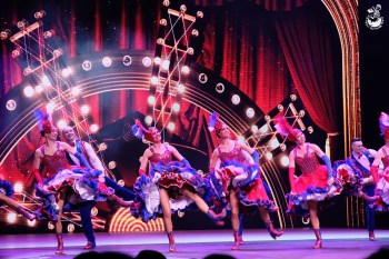 澳門行程推薦︳巴黎人劇場「夢幻巴黎」-融合花都風情的歡樂歌舞表演