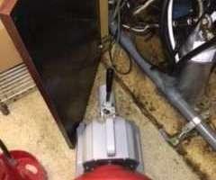 大阪府吹田市豊津町 ドリンクバーの下から水漏れ 排水管水漏れ 排水管つまり修理 ドレンクリーナー