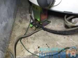 地震の影響で電気温水器の給水管が折れたってホンマ?の巻、大阪市西区新町編