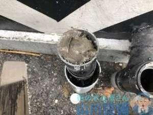 雨樋にゴミが詰まってる 岸和田市小松里町