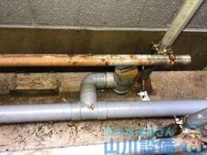 屋外雨樋排水管の洗管作業 高圧洗浄機とドレンクリーナーの違い