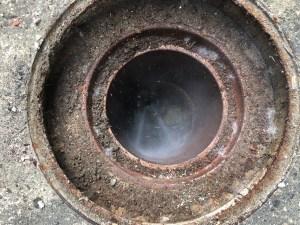 高槻市大塚町で汚水管の高圧洗浄は山川設備にお任せ下さい。