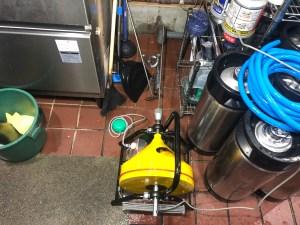 大阪市北区茶屋町で電動フレキシロッダーFREで通管作業するなら山川設備にお任せ下さい。