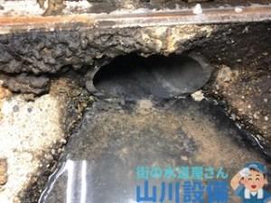 枚方市岡本町で高圧洗浄機を使った洗管作業は山川設備にお任せ下さい。