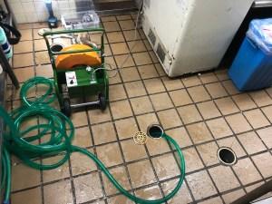 寝屋川市葛原で土間排水口の通管業者をお探しなら山川設備にお任せ下さい。