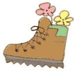 登山靴と花