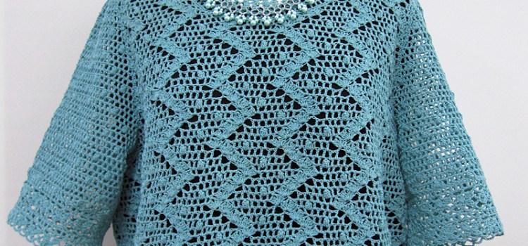 かぎ針編みのプルオーバー