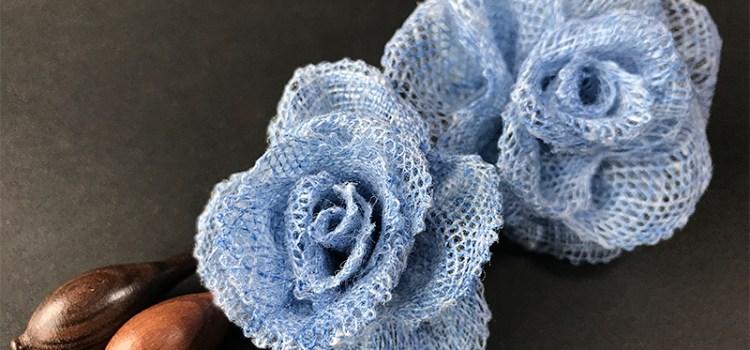 ボビンレースの青い花