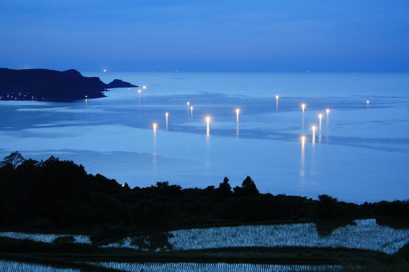 日本棚田百選「東後畑の棚田」の漁火を撮影