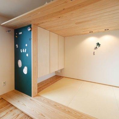 天井の高さを抑えたことで、落ち着く空間に|建築実例201707-06