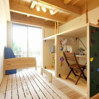 開放的な子供部屋は暮らしに合わせて仕切ることも