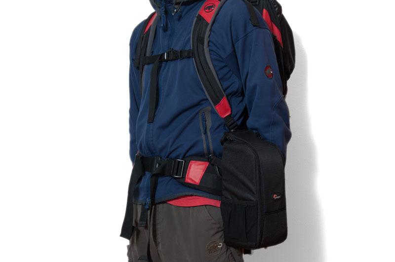 レンズケース200awのザック装着