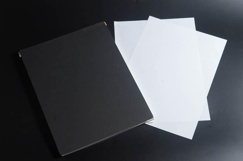 A4用紙とレフ板