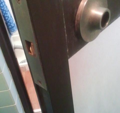 風呂場の鍵交換