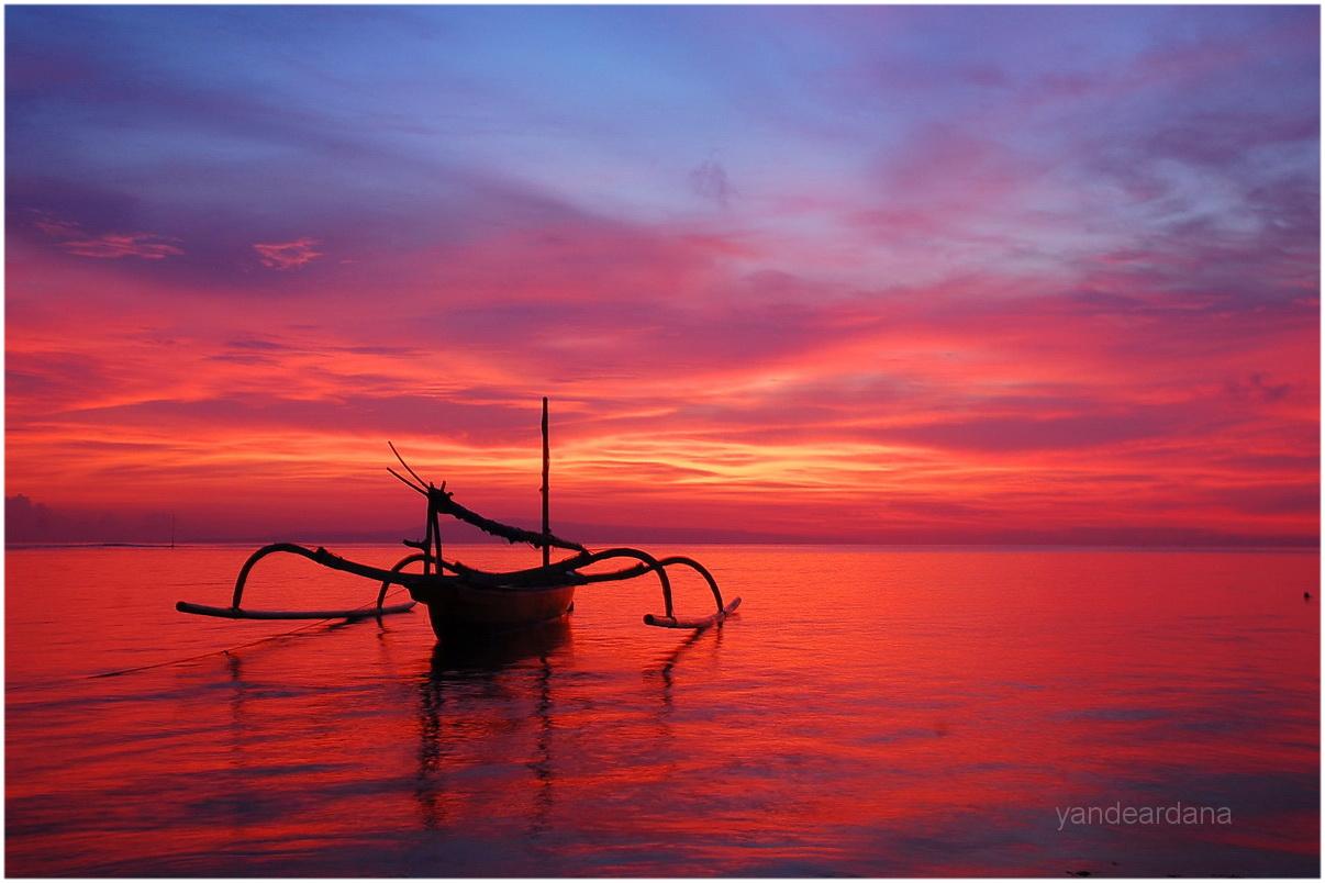 bali traditional boat  Yande Ardana Photography