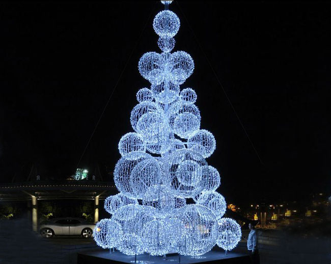 LED Outdoor Christmas Tree With White Balls