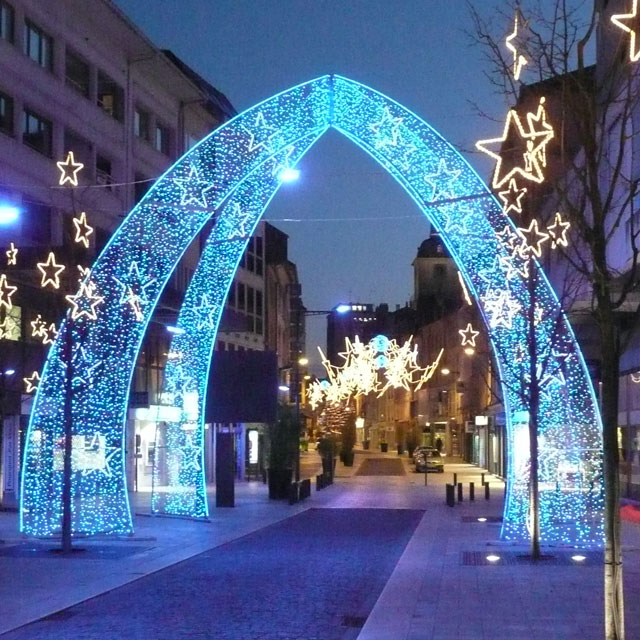 Large Outdoor Christmas Decorations Blue LED Arch   YanDecor