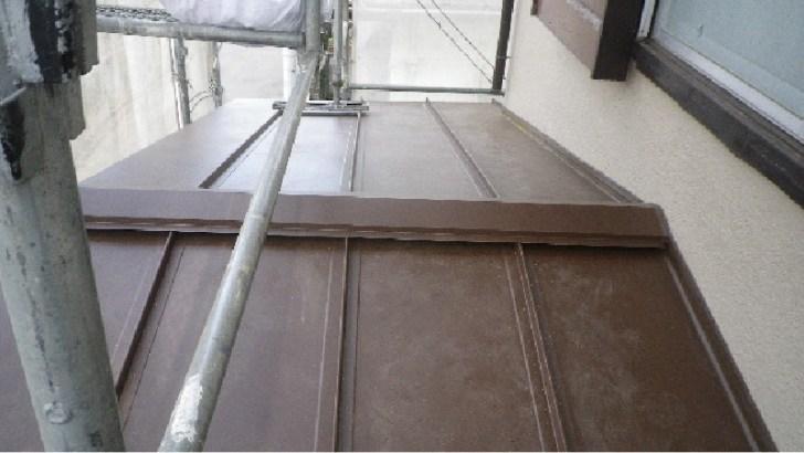 屋根材(ガルバリウム鋼板)の設置