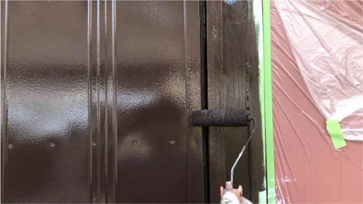 雨戸の上塗り