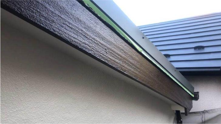破風板塗装の施工後の様子