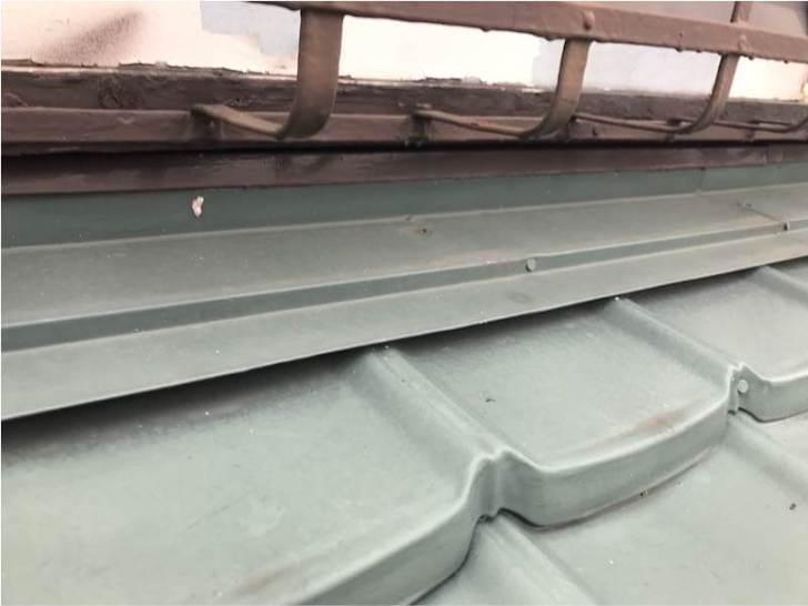船橋市の屋根葺き替え工事の施工前の様子