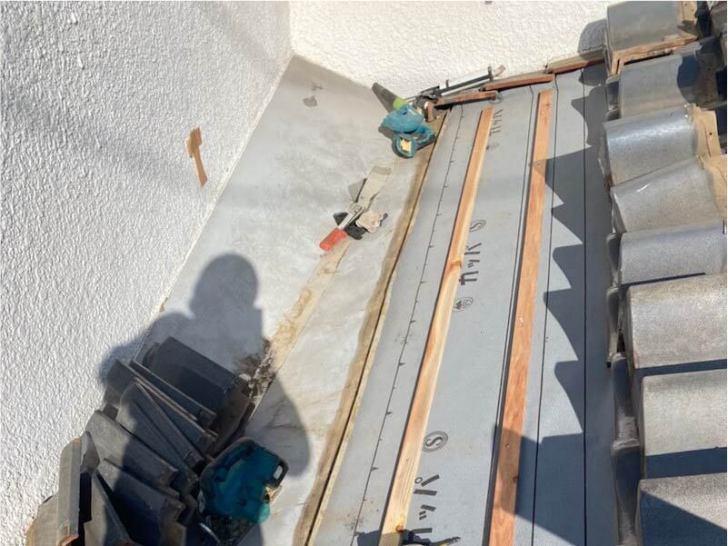 習志野市の屋根の葺き直し工事の胴縁の施工