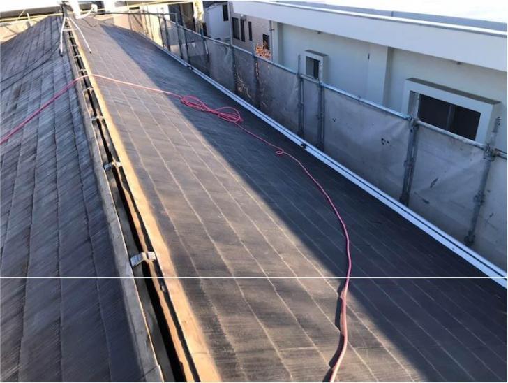 八千代市の屋根リフォームの棟板金の撤去