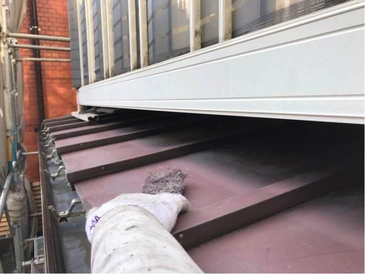 品川区の外壁塗装のトタン屋根の塗装