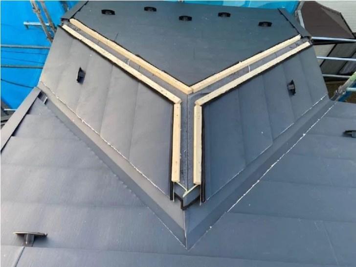 袖ケ浦市の屋根リフォームのガルバリウム鋼板の設置