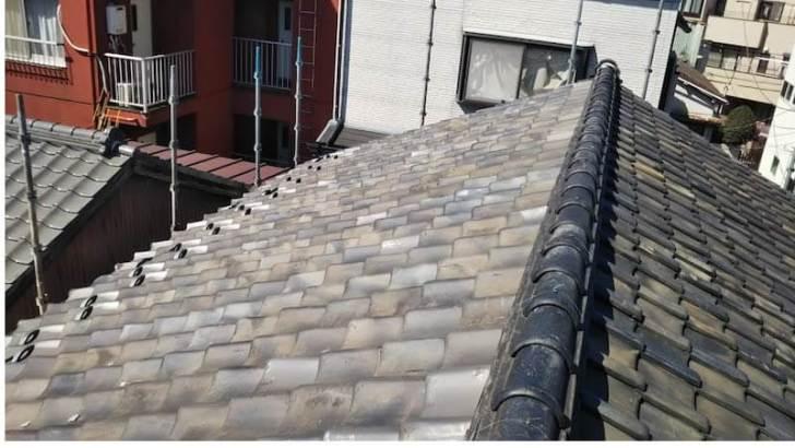 豊島区の屋根葺き替え工事の施工前の様子
