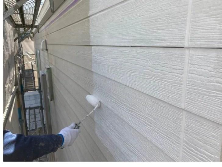 船橋市の外壁塗装の中塗り
