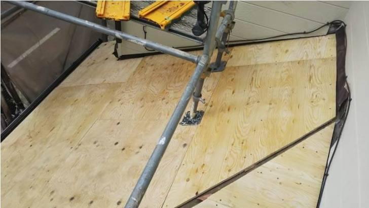 鎌ヶ谷市の屋根葺き替え工事の野地板の設置