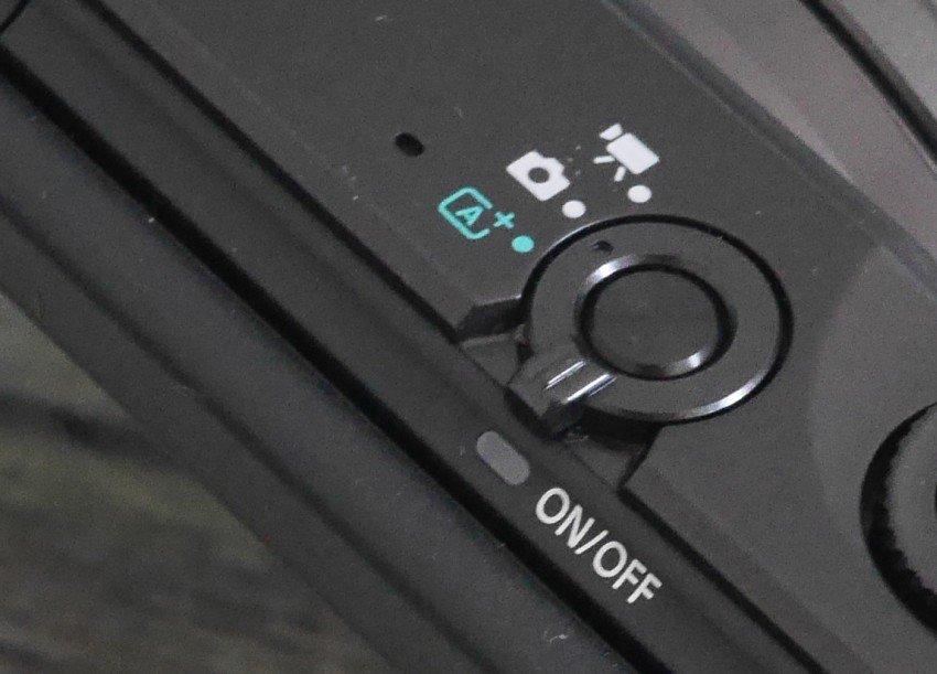 Canon EOS M10-12