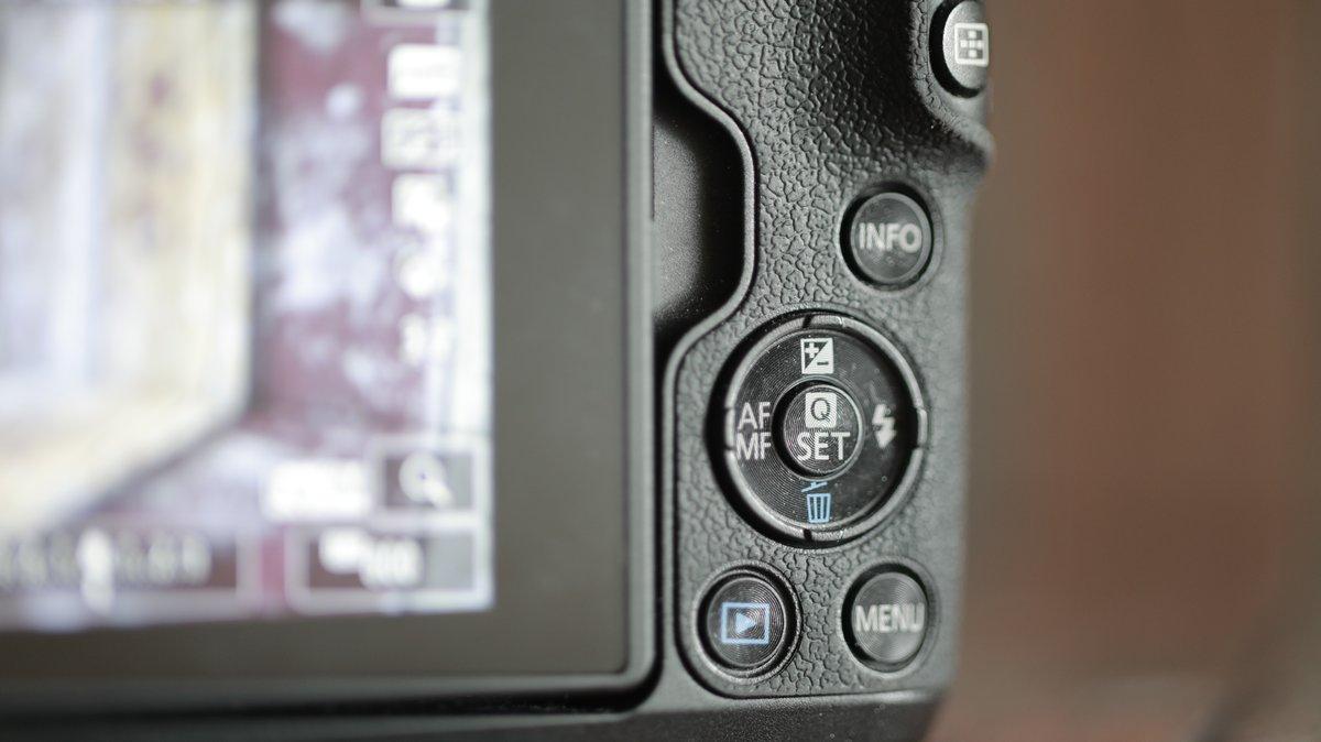 Review Canon EOS M50: Fitur Relatif Komplit, Harga Kompetitif