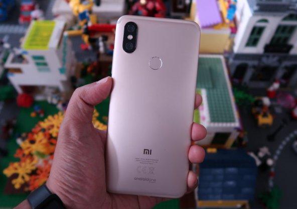 Xiaomi Mi A2 (1)
