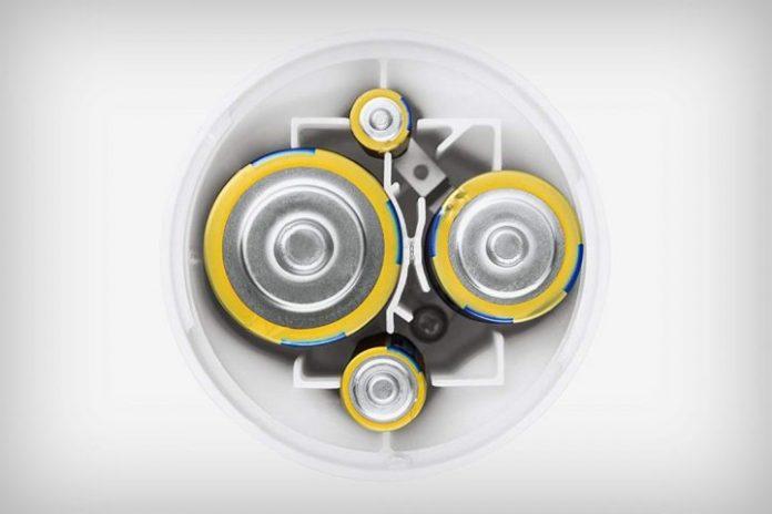 Panasonic Any-Battery Flashlight: Kompatibel Dengan Beragam Model Baterai Untuk Sumber Tenaga 2