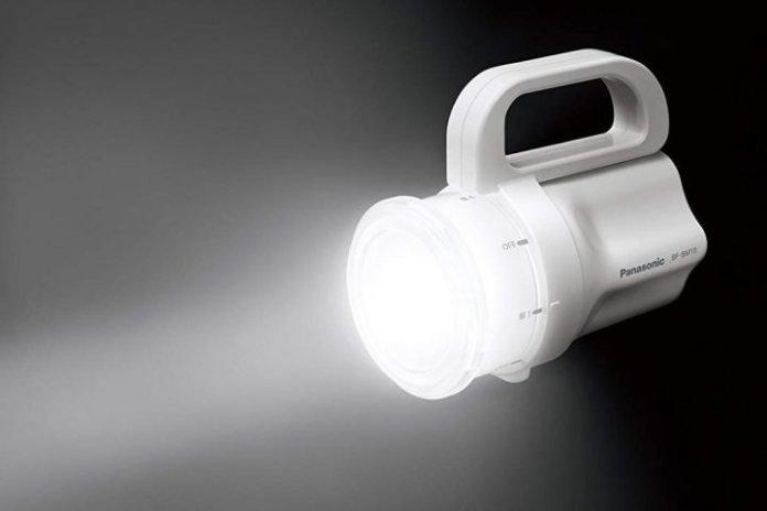 Panasonic Any-Battery Flashlight: Kompatibel Dengan Beragam Model Baterai Untuk Sumber Tenaga 3